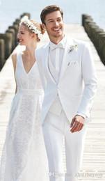 $enCountryForm.capitalKeyWord Australia - New Cheap White Wedding Mens Suits Slim Fit Bridegroom Tuxedos For Men Three Pieces Groomsmen Suit Formal Business Suits(jacket+pant+vest)