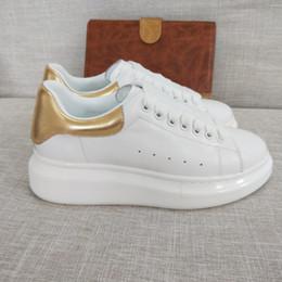 0ee43cdd713 Nueva temporada Zapatos de diseño Moda de lujo para mujer Zapatos de cuero  para hombres Plataforma con cordones Zapatillas de deporte de suela de gran  ...