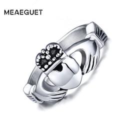 $enCountryForm.capitalKeyWord Australia - Fashion Jewelry Rings Meaeguet Fashion Wedding Rings Vintage Claddagh Wedding Ring For Women With My Hands I Give You My Heart