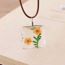 $enCountryForm.capitalKeyWord Australia - Natural Daffodil Square Double-sided Fresh Dried Flower Necklace