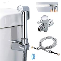 Kit higiênico mão bidé pulverizador latão cromado banheiro bidé torneira spray de chuveiro com mangueira T-adaptador titular em Promoção
