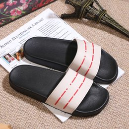 $enCountryForm.capitalKeyWord Australia - Designer Rubber slide sandal Floral brocade men slipper Gear bottoms Flip Flops women striped Beach causal slipper US5-12#402
