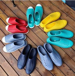 Hole sHoes men online shopping - new Native jefferson hole summer jelly men male women lovers casual sandals female shoes colors optional