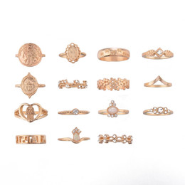$enCountryForm.capitalKeyWord NZ - Retro Vintage Stackable Opal Knuckle Set Rings for Women 15 pcs Gold Color Beauty Head Coin Hollow Heart FATIMA PALM Cross Shape
