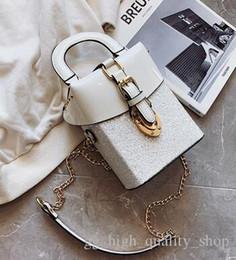 $enCountryForm.capitalKeyWord Australia - New Fashion women's Hand-held enameled leather Port Wind-Korean sequins, one-shoulder chain, small square bag, oblique Bag