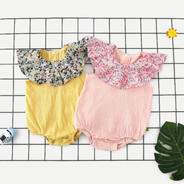 $enCountryForm.capitalKeyWord Australia - New High-end Quality Cotton Toddler Baby Girls Blank Rompers Ruffles Sleeveless Tuen-down Floral Collar Jumpsuit Newborn Onesies for 3-18M