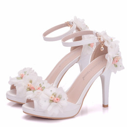 $enCountryForm.capitalKeyWord NZ - New 2019 Peep Toes High Heels Bridal Wedding Shoes With Buckle Strap Handmade Flowers Women Shoes For Summer Wedding Cheap Sandals