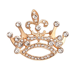 wholesale costume brooches NZ - 2019 jewelry Gold crown shape pin brooch for gift Christmas wholesale Gold Plated Alloy Costume Jewelry for Women