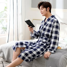 Wholesale men s long robe resale online - 2019 New Spring Autumn Bathrobe Men Plaid Cotton Sleep Robe Long Sleeve Male Comfortable Casual Home Clothing Sleepwear
