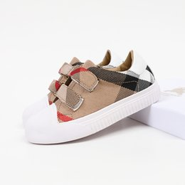 $enCountryForm.capitalKeyWord Australia - Classic Boys plaid sneakers brand designer kids shoes girls lattice canvas casual shoes children non-slip breathable running shoes F9898