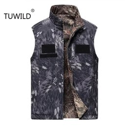 shark shell jacket Australia - TUWILD Men's Army tactical combat sleeveless jacket vest outdoor shark skin soft shell waterproof double-sided hunting