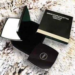 C classique pliant double Miroir de côté Hd portable miroir de maquillage et Loupe avec Flanelle BagGift Box pour VIP client en Solde