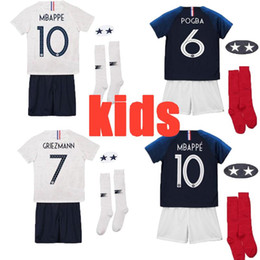 Football Uniforms Australia - Maillot de Foot enfant 2018 cheap football kids 2 stars two etoiles Equipe de france GRIEZMANN GIROUD uniform french kits Jerseys+pant+socks