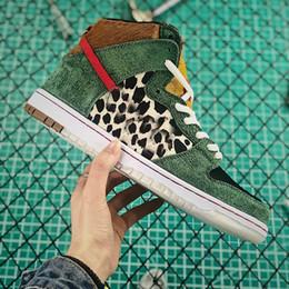 cheaper f0d85 71fe5 Scarpe Bambini Nike Air SB Dunk Scarpe Da Corsa Dunk SB Low QS PARIS Uomo  Donna Che Cosa The Dunk Green Leopard Camo Vedova Roswell Raygun DECON TRD  Scarpe ...