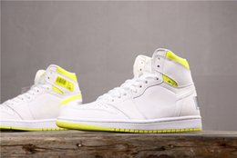 sneakers bar 2019 - 2019 Mens 1 First Class Flight Basketball Shoes Trainers Designer 1s White Yellow Bar Code Women Sneakers Baskets des Ch
