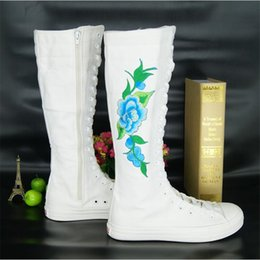 $enCountryForm.capitalKeyWord Australia - Fashion Embroidered Flower Boots Flat Dance Dance Tie Side Zipper Super High Boots Canvas Shoes