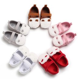 $enCountryForm.capitalKeyWord NZ - 2019 Baby Girl Spring And Autumn Breathable Furry Design Buckle Strap Anti-Slip Shoes Casual Toddler Soft Soled First Walkers