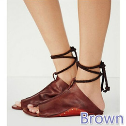 foreign shoes 2019 - Designer Sandals Flat Soled Foreign Trade Sandals Large Size Slide Wrist Straps Toe Sandals Spot Newest Summer Womens Sh