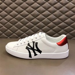 67fd1fffcf3 Smith Online 2019 SS G Luxury Brand Designer Top Quality Men Women Casual  Shoes NY Black White Couple Sneakers Size EURO 35-46