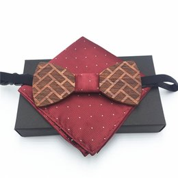 $enCountryForm.capitalKeyWord NZ - Gift for men Wooden Bow Tie Men's Red Wedding Bowties With Box Fashion Casual Luxury Black Bow Ties Wood Vintage Men