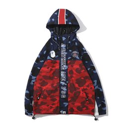 Ingrosso Bape nuovo arrivo Mens Stylist Giacca con cappuccio Nuovo cappuccio Trench Mens Stylist Camouflage Stampa Coat Taglia M-2XL