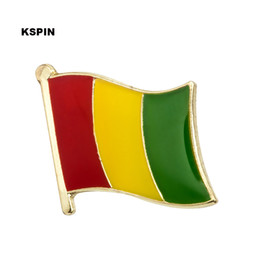 Groihandel Guinea-Flagge Revers Pin Flag Badge Revers Pins Abzeichen Brosche KS0081