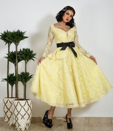 $enCountryForm.capitalKeyWord Australia - 2019 Light Yellow Tea Length Lace A Line Short Prom Dresses with Black Bow Long Sleeves Evening Party Formal Gowns