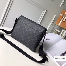Messenger bag men bag classic fashion style various colors the best choice for going out, size: 25*22*8 cm, L026 free of freight on Sale