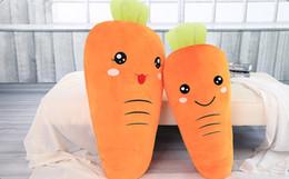 Venta al por mayor de Tela rong colmillo creativo expresión de zanahoria muñeca vegetal almohada grande de peluche de juguete dollbirthday regalo