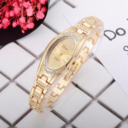 $enCountryForm.capitalKeyWord Australia - Hot Selling Women's Watches Simple Gold Numbers Disc Ladies Quartz Wristwatch Fashion Bracelet Clock Dress Zegarki Damskie@50