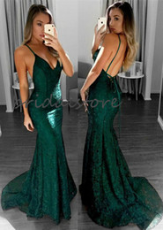 long modest prom dresses pleats UK - Full Lace Green Burgundy Prom Dresses Mermaid Spaghetti Straps Backless Evening Gowns Tight Modest Long Formal Special Occasion Dress 2020