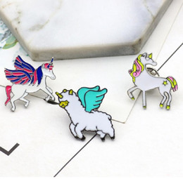$enCountryForm.capitalKeyWord NZ - Fashion Pretty Unicorn Shapes Brooch Colorful Clothing Pins Unisex Lovely Gift Home Party Decoration Free Shipping
