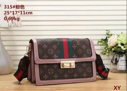 $enCountryForm.capitalKeyWord Australia - 2019 new fashion Italian brand color matching F letter flip cover bag gold ring handle handbag bag handbag