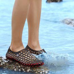 $enCountryForm.capitalKeyWord NZ - Men Women Aqua Shoes Outdoor Beach Water Shoes Upstream Creek Snorkeling Non-Slip Lightweight Sport Hole Hollow Shoes Sneaker