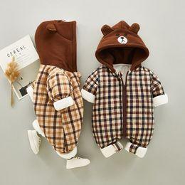 Toptan satış Bebek Kış Pamuk Tulum Yenidoğan Romper Kalınlaşma Erkek Bebek ve Kız Pamuk Kış Giyim Giyim Tek parça Giyim