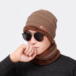Cappello da uomo Beanie aggiungere Sciarpa in velluto lavorato a maglia inverno nuova lana caldo spessa fazzoletto da collo Maschera moda Lable cappello nero solido 2 parti
