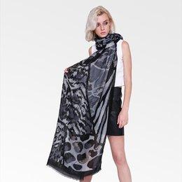 $enCountryForm.capitalKeyWord NZ - New Trendy Cotton Scarves For Female Fashion Women's Leopard Scarf Linen Soft Breathable Shawl Patchwork Animal Print Wrap