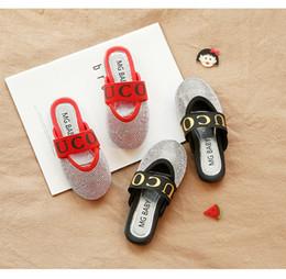 7b26a7889 2019 meninas sandálias e chinelos de verão novo strass estilo casual  elástico coreano rodada sandálias de cabeça redonda
