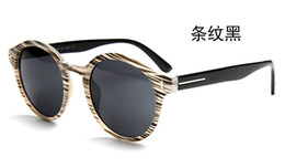 Glasses Female Titanium Australia - beautiful Fashion Round Sunglasses Eyewear Sun Glasses Designer Brand Black Metal Frame Dark Glass Lenses For Mens Womens Better