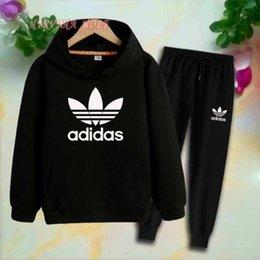 $enCountryForm.capitalKeyWord NZ - 2019 Classic Luxury Logo Designer Baby t-shirt Pants coat jacekt hoodle sweater olde Suit Kids fashion Children's 2pcs Cotton Clothing Sets