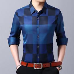 205645c321ad Camicia di marca di modo 2019 per gli uomini Button Up Plaid coreano Slim  Fit Streetwear manica lunga camicia a scacchi Camicia Abbigliamento uomo