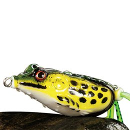 Discount fishing lures top water frogs - 1PC 5cm 10g Frog Lure Fishing Treble Hooks Top water Ray Frog Artificial Minnow Crank Strong Artificial Soft Bait
