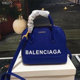 Wholesale 2019 Fashion luxury brand handbag designer handbag bracelet bag shoulder bag Wallet phone bag gold plated hardware accessories3
