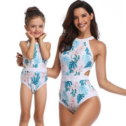 $enCountryForm.capitalKeyWord UK - Mom And Daughter Floral Swimwear Clothes Bikini Women Girls Family Matching Swimsuit Clothing For Mother Daugther Beach Bathing Y19051103