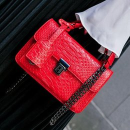 $enCountryForm.capitalKeyWord Australia - Stella Bag Women Designer Chain Messenger Bags Ladies Postman Shoulder Bag Crocodile Brand Handbags Fashion Padlock Sling Bags