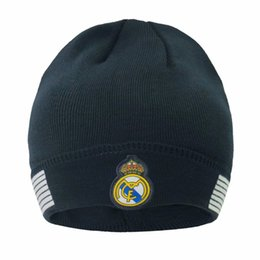 New Autumn winter Soccer Fans Caps Football hat Gift For Real Madrid messi Manchester Cap Sports training Soccer Beanies Headwears on Sale