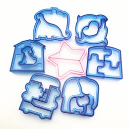 kitchen puzzle Australia - Puzzle Shape Sandwich Mould Cutter Dolphin Bear Car Dog Shape Baking Cake Bread Toast Mould Maker Sandwich Cutter Kitchen Tool
