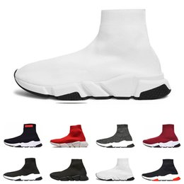 $enCountryForm.capitalKeyWord NZ - Hot luxury sneakers speed trainer designer men women casual shoes black white blue glitter red fashion breathable mens sock shoe runner