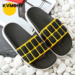 white mule slippers NZ - Men Slippers Summer Mens Shoes Casual Breathable Beach Sandals Slippers Wedge Black White Flip Flops Slides Flat Mules