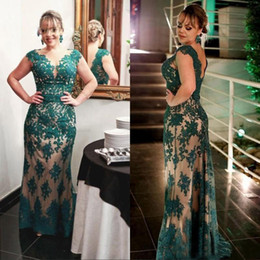 lace dinner dress Australia - Long Lace Mother of the Bride Dresses Plus Size for Weddings Godmother Groom Formal Dinner Gowns